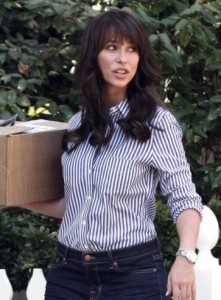 Image - Jennifer Love Hewitt wears the Cartier Ballon Blue Watch.
